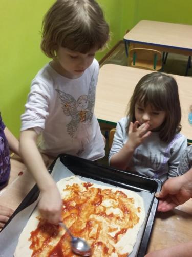 Robimy pizzę (13)