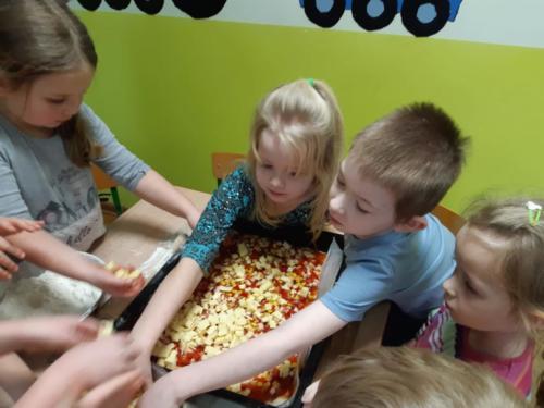 Robimy pizzę (14)