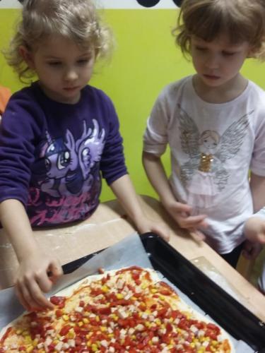 Robimy pizzę (20)