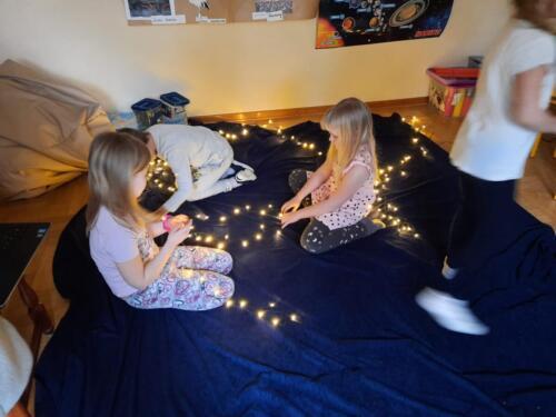 Gwiazdozbiór Domek Elfów (1)