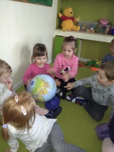 Globus (3)