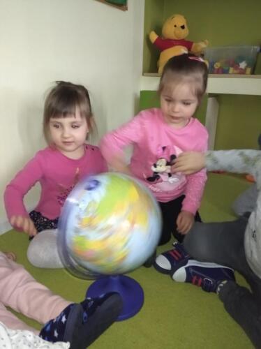 Globus (5)